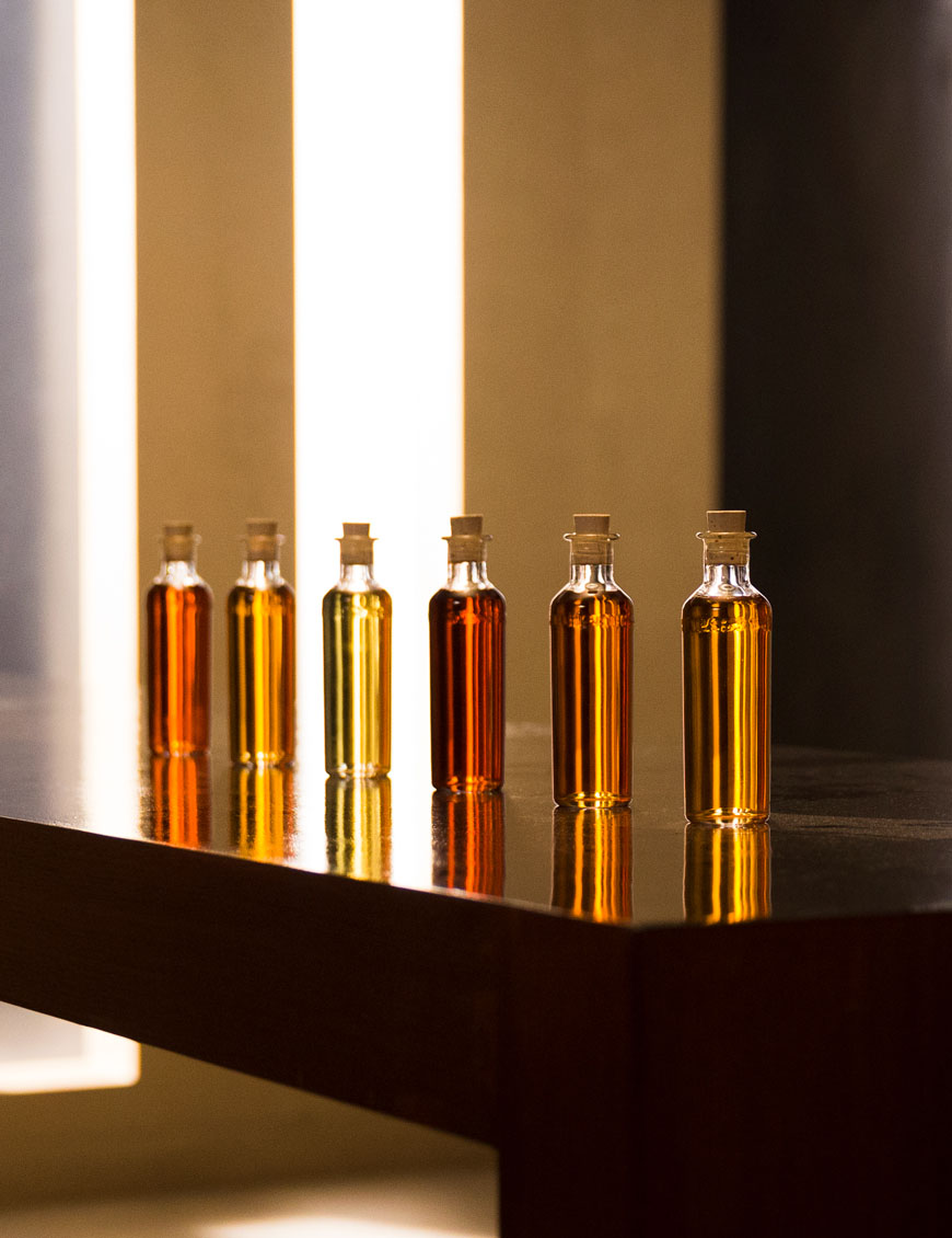 The rare blend that is Hennessy Paradis Impérial cognac encapsulates the distinctive art, savoir-faire, and relentless quest for the finest eaux-de-vie throughout seven generations of Master Blenders from the Fillioux family.