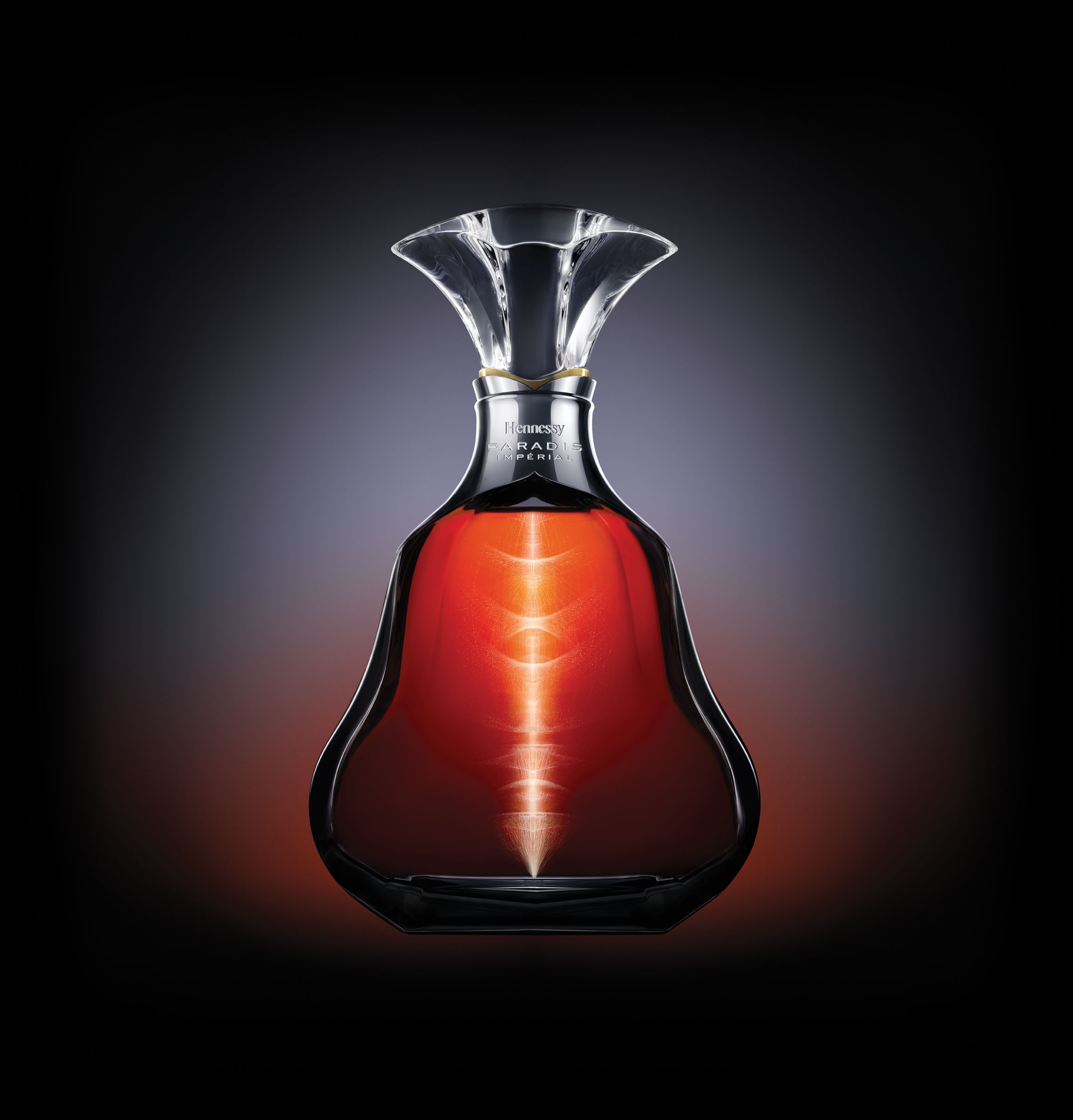 The rare blend that is Hennessy Paradis Impérial cognac is the result of the relentless quest for the finest eaux-de-vie, and the unique savoir-faire passed down through seven generations of Master Blenders from the Fillioux family.